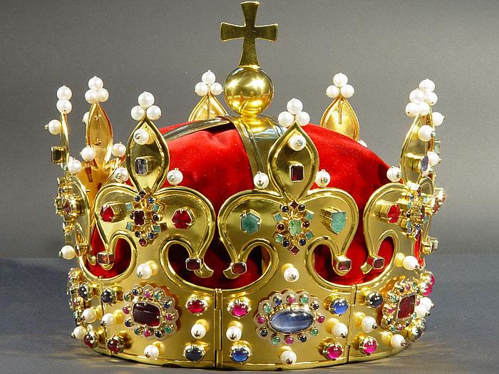 Korona Chrobrego, korona zamknięta, corona clausa, nowe godło Polski, korona z krzyżem, orzeł w koronie zamkniętej foto: © Andrzej Orzechowski